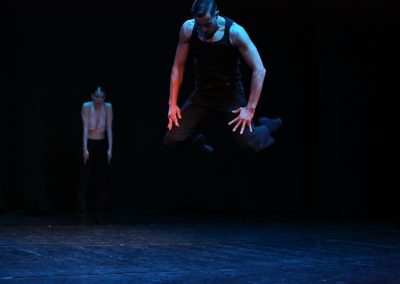 In-between - contemporary dance performance